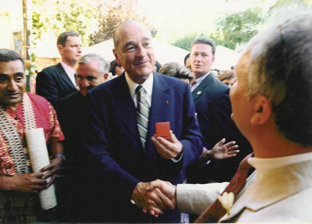 Fausto Bouchereau et le président de la République Jacques Chirac en 2003